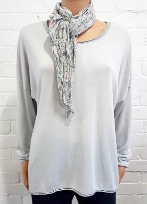 Minx Plain Top with Floral Scarf