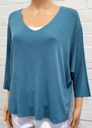 Goose Island Plain V Neck Light Knit Top