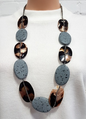 Xebu Large Pebble Bead Necklace