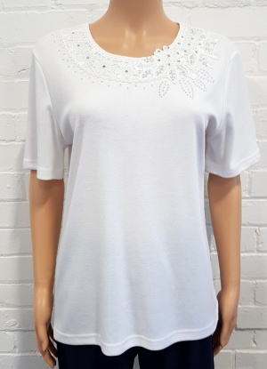 Reflect Embroidered Scoop Neck T-shirt