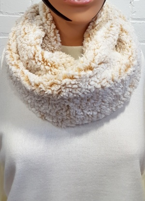 Super Soft Popcorn Polar Snood